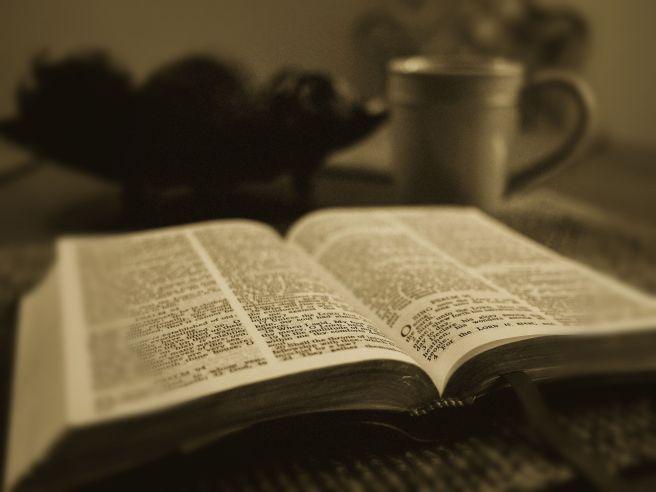 bible-1031288_1920_edit
