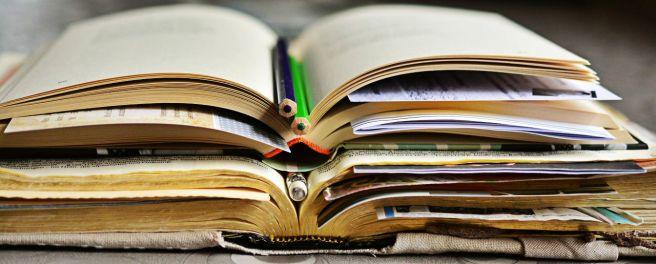 books-2158737_1920-edit