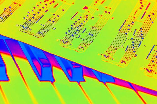 piano-1655558_1920 atomic edit