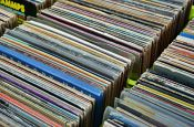 records-237579_1920 edit