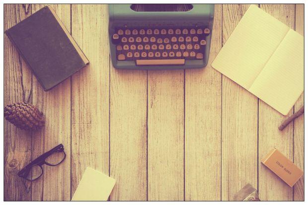 typewriter-801921_1920 edited