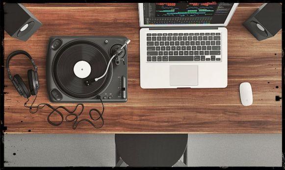 turntable-1337986_grunge edit