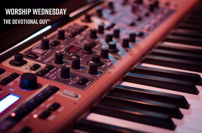 synthesizer-908298_1920