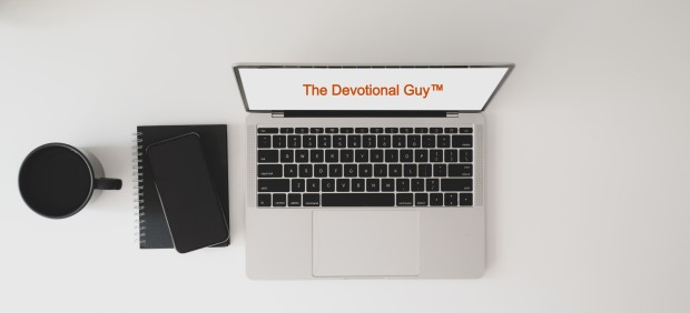 top-view-photo-of-computer-laptop-on-white-table-3773406 (2) TDG